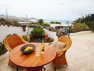 Villa Famara 2dorm ~ RA19601 - Famara vacation rentals