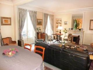 100 rue de Maubeuge ~ RA24517 - 18th Arrondissement Butte-Montmartre vacation rentals
