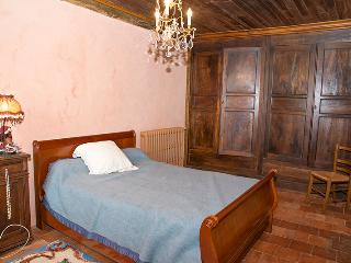 Bright 3 bedroom Vacation Rental in Labatut-Riviere - Labatut-Riviere vacation rentals