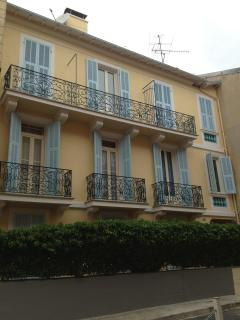 Cozy 2 Bedroom Apartment with a Balcony, Monte Carlo - Monaco vacation rentals