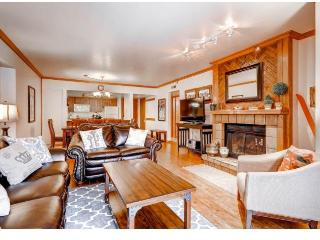 Main St/Town Lift Condo: 3 bed/2 ba Sleeps 10 - Park City vacation rentals