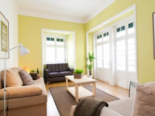 CHIADO CITY CENTER 5 ROOMS UP TO 17 GUESTS - Lisbon vacation rentals