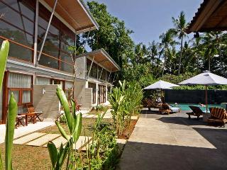 Luxury Suite by the Ocean, South Sanur - Sanur vacation rentals