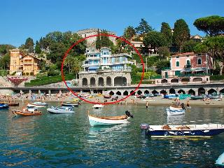 Perfect beach escape! Villa on the sea promenade - Levanto vacation rentals
