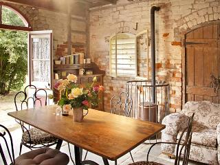 The Diggers Store B&B - self contained - Castlemaine vacation rentals