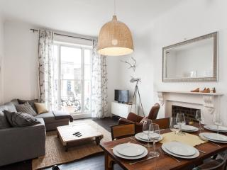 Stylish 2 Bedroom Apartment with Wifi in Camden - London vacation rentals