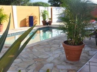 Solo cu Santo - Oranjestad vacation rentals