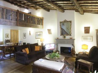 Quiet and Stylish in the heart of Rome - Rome vacation rentals