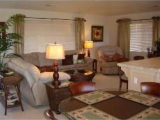 Cozy living room area with a pull out couch for those extra guests - # 1215 Las Palmas - Saint George - rentals