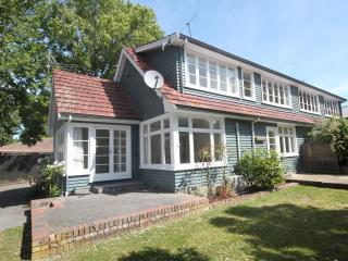 Strowan Lodge - Christchurch Holiday Homes - Christchurch vacation rentals