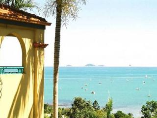 AIRLIE BEACH PENTHOUSE -  right in town centre. - Whitsunday Islands vacation rentals