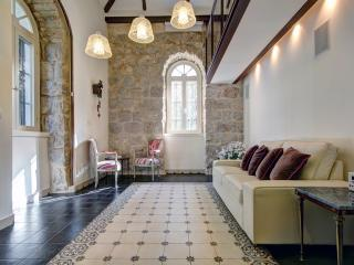 Best Location 5 Stars Templer Apt German Colonny - Jerusalem vacation rentals