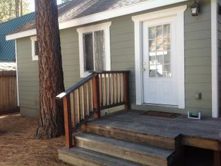Nice Cottage with Deck and Internet Access - Stateline vacation rentals