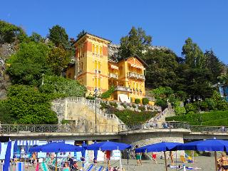 Prominent seaside villa on the beach promenade! - Manarola vacation rentals