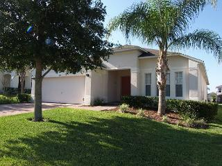 HIGHGATE HIDEAWAY: 4 Bedroom Pool and Spa Home in Gated Community - Davenport vacation rentals