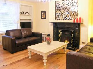 CHURCH VIEW COTTAGE, terraced property, en-suites, WiFi, pet-friendly, in Wooler, Ref. 20027 - Wooler vacation rentals
