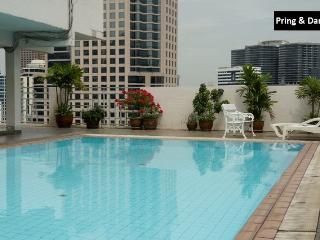 11FL. Central Spacious Trendy Condo - Bangkok vacation rentals