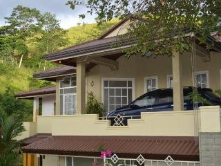 04 BR Luxury Bungalow in Kandy - Kandy vacation rentals