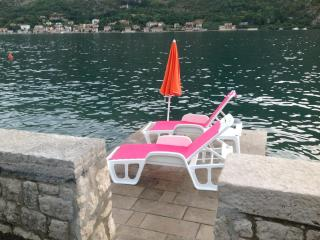 Gorgeous 1 bedroom Vacation Rental in Kotor - Kotor vacation rentals