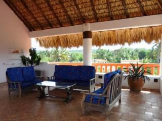 2 BR condo apartment - 2 blocks from beach - Puerto Escondido vacation rentals