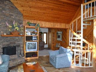 ~~LOOK~LAkEFRoNt Home with Sauna & NEW Hot Tub! - Garfield vacation rentals