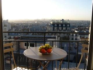 Apt in Montmartre with breathtaking view of Paris - Paris vacation rentals