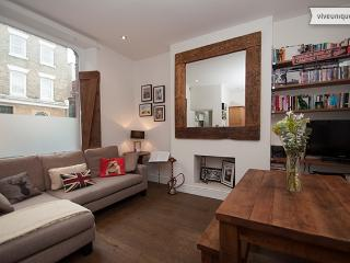 Modern 1 bed, Crescent Street, Islington - London vacation rentals