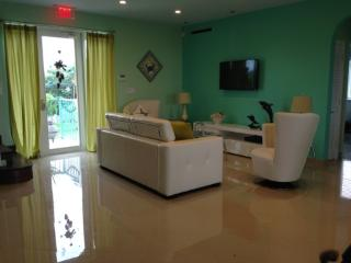 4 ROOM LUXURY HOME IN MARATHON FL - Marathon vacation rentals