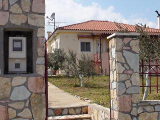 1 bedroom Condo with Internet Access in Kirinthos - Kirinthos vacation rentals