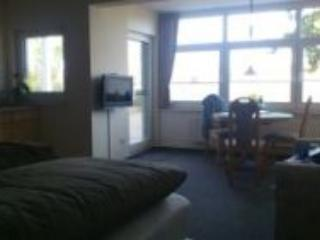 Vacation Apartment in Kapellen-Drusweiler - 377 sqft, tranquil, comfortable, friendly (# 4691) - Kapellen-Drusweiler vacation rentals