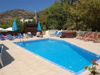 One bedroom apartment in Fodele, with shared pool - Fodhele vacation rentals