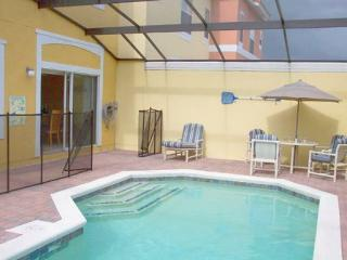 Lovely 4 bedroom, 3 bathroom townhome with private pool. - Orlando vacation rentals
