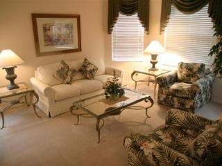 Beautiful 5 Bedroom 3 Bathroom Pool home just minutes from Golf!! - Orlando vacation rentals