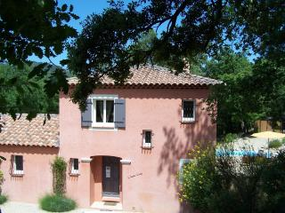 Nice Guest house with Internet Access and Parking - Salernes vacation rentals