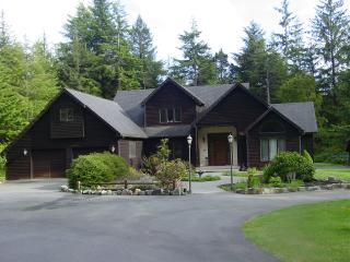 Spectacular Redwoods, 5 min to Ocean Beaches - Crescent City vacation rentals