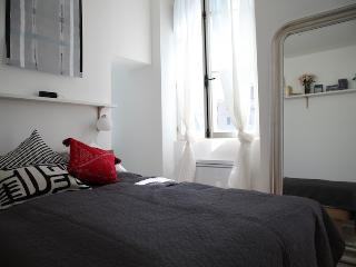Great Flat in Ideal Marseille Location - Marseille vacation rentals