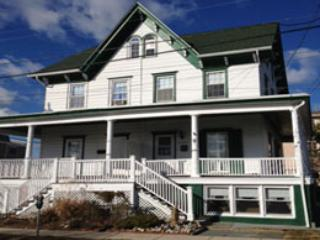 front of house - 3br/2bath across from ocean, Ac, spacious and new - Cape May - rentals