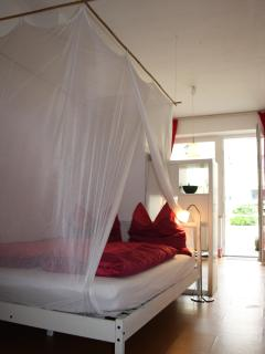 Feeling privat, centrally located & yet very quiet - North Rhine-Westphalia vacation rentals