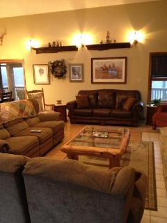Murphy's Retreat-Beautiful view with  river access - Steelville vacation rentals