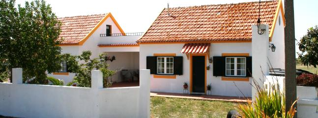 Beach House near Meco / Sesimbra - Image 1 - Aldeia do Meco - rentals
