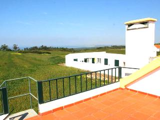 Beach House near Meco / Sesimbra - Aldeia do Meco vacation rentals