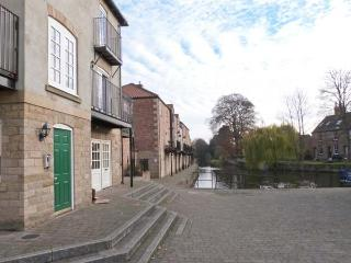 14B CANAL WHARFE, second floor apartment, canal views, many attractions close by, in Ripon, Ref 30469 - Ripon vacation rentals