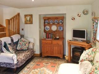 MAMOR COTTAGE, cosy cottage with stunning views, country location, Foxt near Leek Ref 31104 - Foxt vacation rentals
