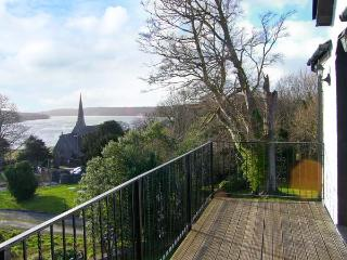 MENAI VIEW, spacious cottage, woodburner, en-suite, stunning views, in Llanfairpwllgwyngyll, Ref 903582 - Llanfairpwll vacation rentals