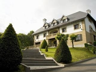 San Sebastian - Elegant palace with private forest - Basque vacation rentals