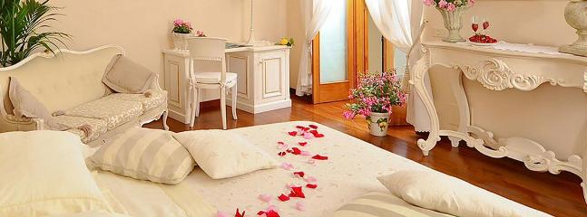 Bright 3 bedroom B&B in Positano - Positano vacation rentals