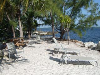 TARPON FLATS INN AND MARINA - Key Largo vacation rentals