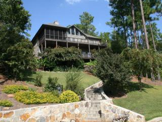 5 BR 4Ba House on Beautuful (crystal clear water) Lake Martin, Alabama - Dadeville vacation rentals