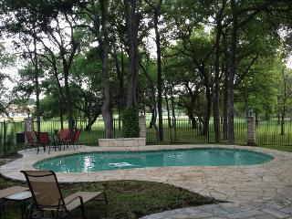 BEAUTIFUL 3 BEDROOM HOME, PRIVATE SALT WATER HEATED POOL, WIFI - Austin vacation rentals