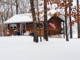 Copperstone Cottage - A Romantic Escape - Steelville vacation rentals